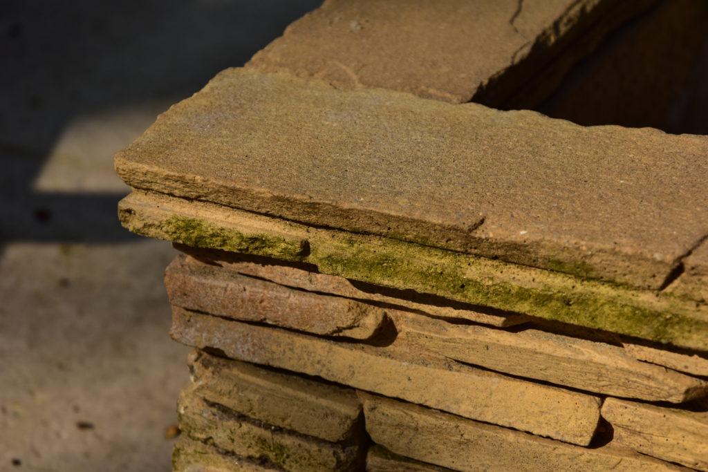 Muurblokken in de tuin